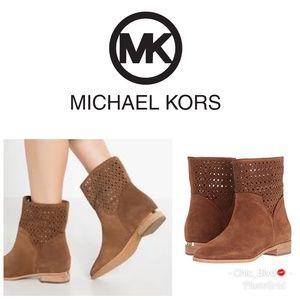 🆕️ Michael Kors Caramel Sunny Bootie